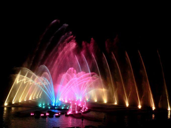 日本最大級の「噴水イルミネーションショー」は必見!