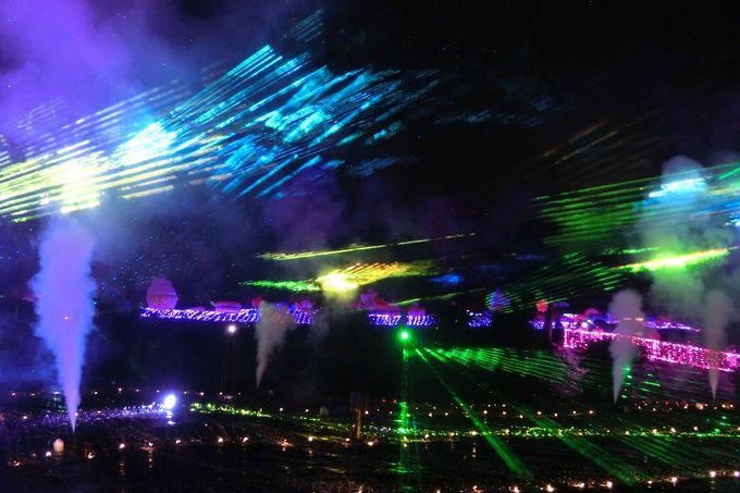 レーザーショーのベストポジションは「ウキウキへの架橋」!