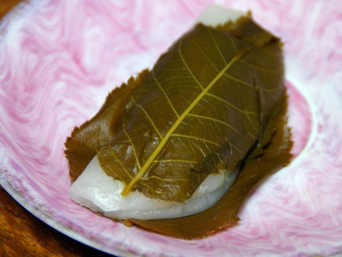 松崎の名物「桜葉餅」は見逃せない!