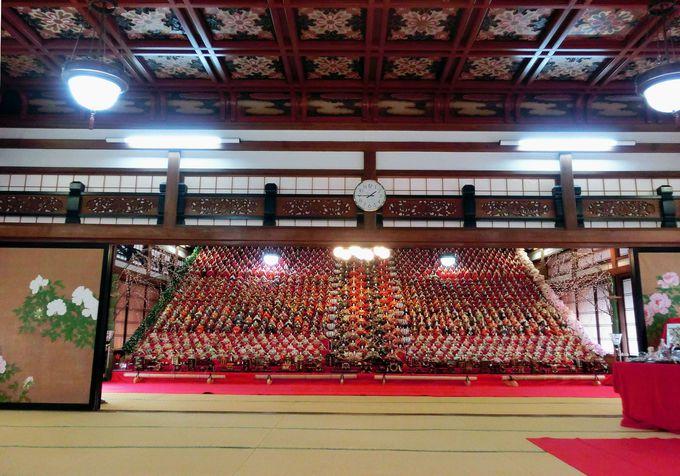 """豪華な瑞龍閣で、""""日本最大級のひな飾り""""を堪能!"""