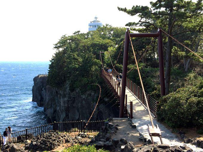 城ケ崎海岸で必見の絶景スポット「門脇吊橋」!