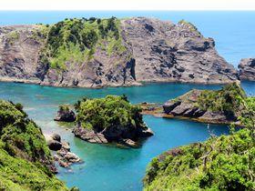 南伊豆「ヒリゾ浜」透明度に感動!船でしか行けない秘境浜が美しすぎる