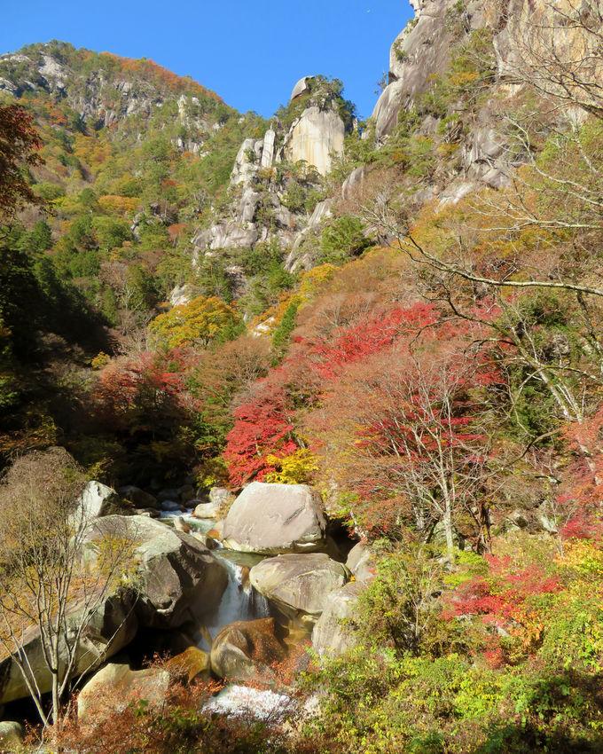 昇仙峡のシンボル「覚円峰」に感動!「石門」も見逃せない