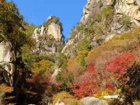 山梨「昇仙峡」紅葉の覚円峰に仙娥滝!日本屈指の渓谷美を歩こう