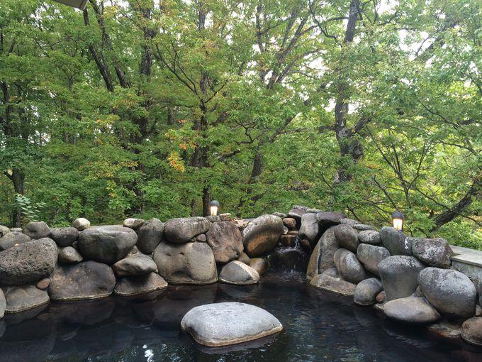 朝は森のヨガ&露天風呂でリフレッシュ!さわやかな朝は朝食もよりおいしい
