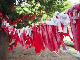 左手で赤い布を結べば恋が叶う!?岩手「卯子酉様」で縁結び祈願しよう