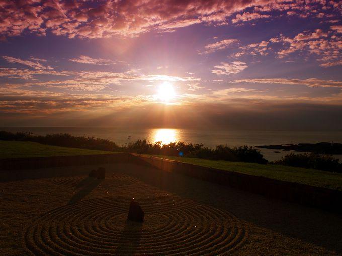 早めにチェックインして、日本海に沈む夕日を堪能しよう
