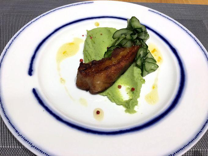 ディナーはローカスレストランで地元産食材を使ったメニューを堪能!