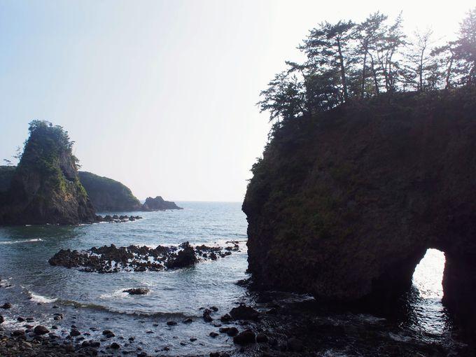 午後:日本画のような巌門と能登半島グルメを堪能