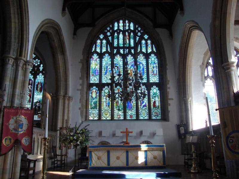 イングランドで最古の時計塔が残る セントメアリー教会