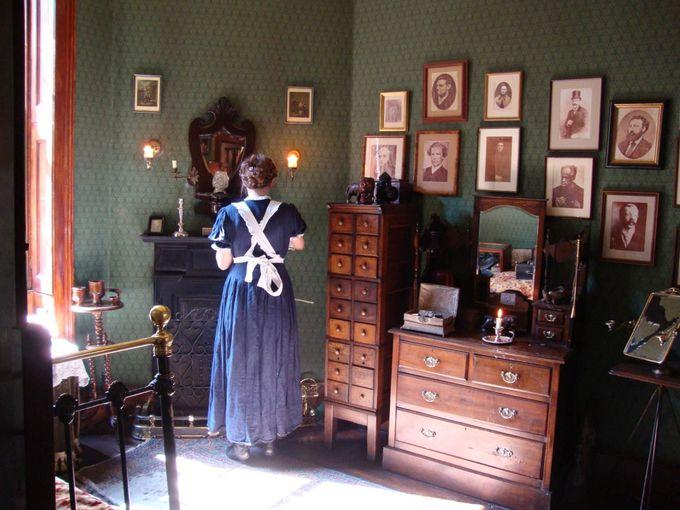 美しいヴィクトリア朝の香りが漂う「シャーロック・ホームズ博物館」