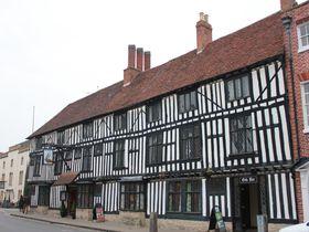 「ファルコン ホテル」英国ストラトフォード・アポン・エイボンに現存する中世の旅籠