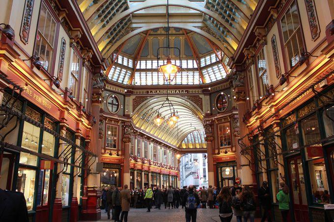 ヴィクトリア朝の優雅な装飾「レドンホール・マーケット」