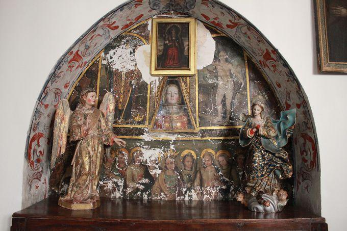 祈りと神秘の空間「サン・アントニオ・エル・レアル修道院」