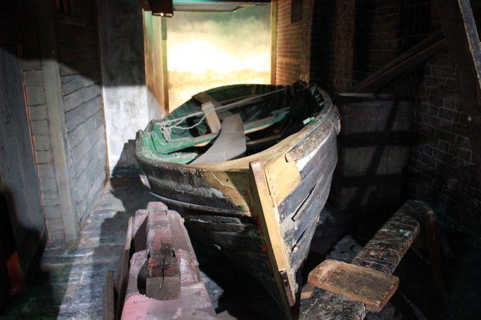 船乗りと港湾労働者たちの生活を垣間見る「船乗りの町」