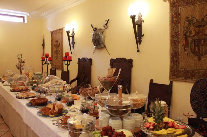 「騎士の食卓」へようこそ