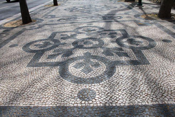 リスボン市民の憩いの場所「ロシオ広場」