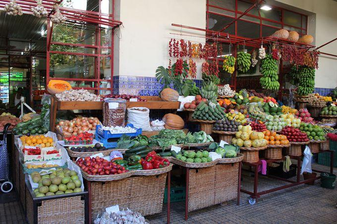 ポルトガル一の美しさを誇る「ラブラドーレス市場」