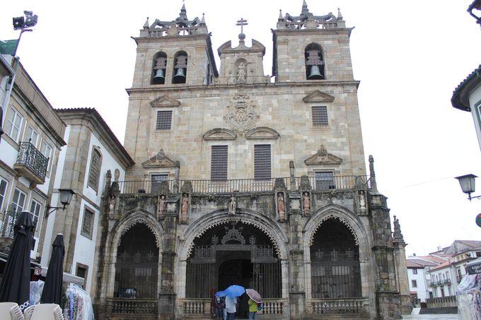 午後1:ポルトガル最古 歴史ある「ブラガ大聖堂」