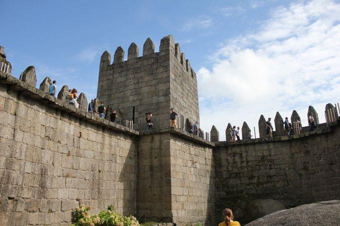 ポルトガル王国初代国王生誕の地「ギマランイス城」