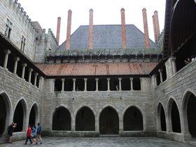 ポルトガル発祥の地「ギマランイス」世界遺産の街で絶対外せない4大名所