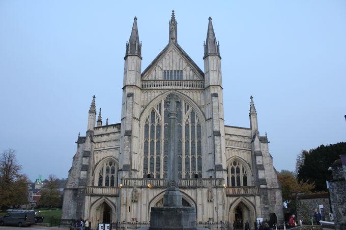 歴史を語るイングランド最大規模の「大聖堂」