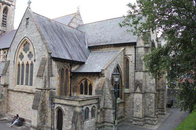 メアリー・シェリーを偲ぶ「セント・ピーター教会」