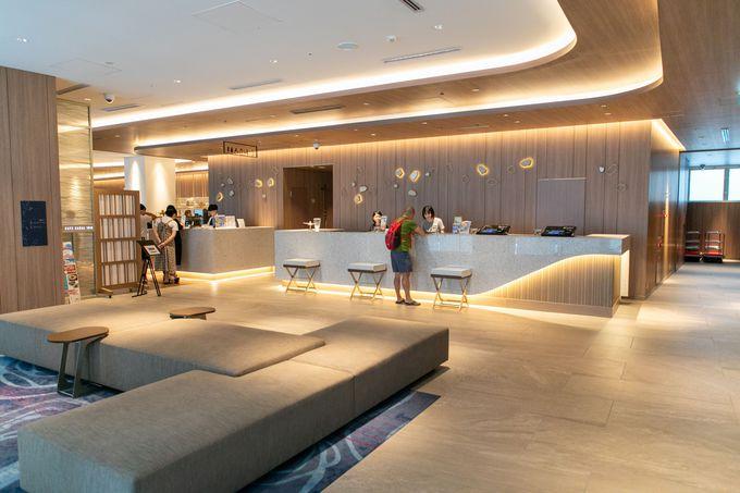 14階建ての新しい建物は団体客にも対応できる余裕をもった作り