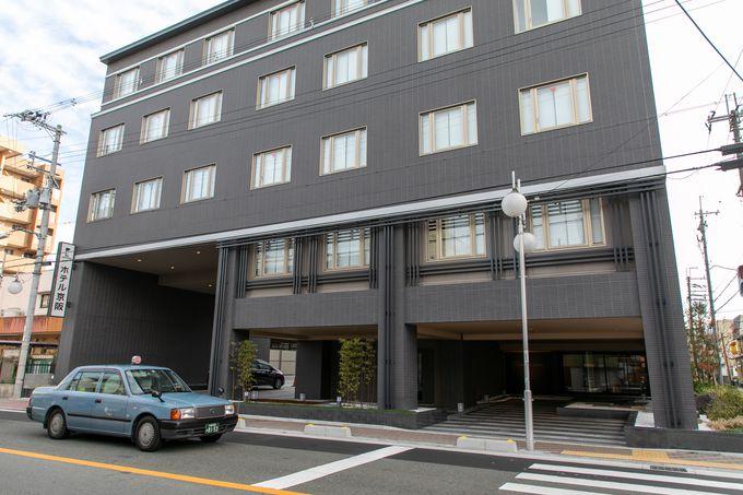 JR京都駅八条東口から徒歩約5分ながら、喧噪とは隔絶された好立地