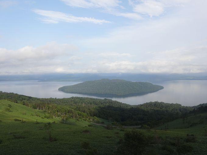 幻想的な風景に感動!屈斜路湖に浮かぶ小島