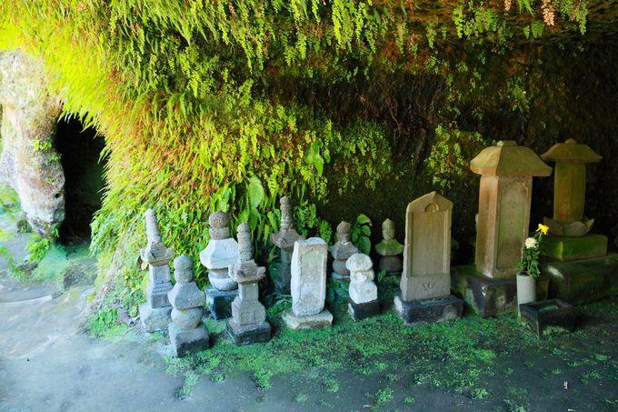 鎌倉特有のやぐらを境内で見ることができる貴重な寺院