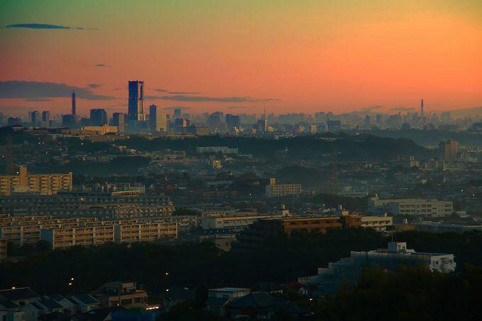 早朝に訪問すれば、幻想的な横浜市内を!