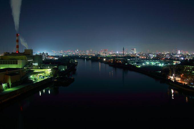 上空からみるとメガネの形状に見える「千本松大橋」