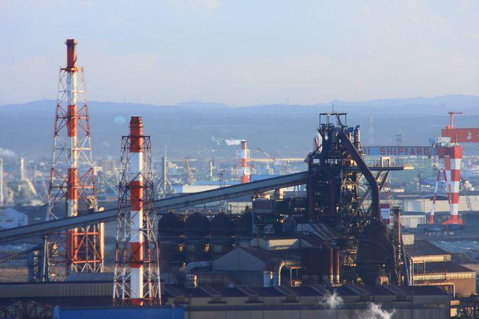 昼間の工場風景も錆び具合など見どころ多数!