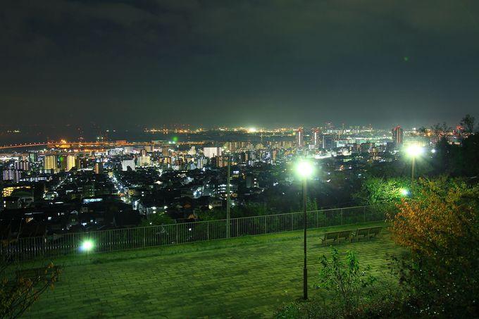 六甲山麓の郊外公園から見る夜景としては最大!「灘丸山公園」