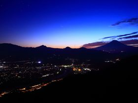 神奈川県「チェックメイトCC」の南側道からの夕景&夜景が凄い!