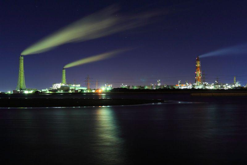 千葉の工場夜景萌えと言えば養老川臨海公園!周囲は未来都市そのもの!