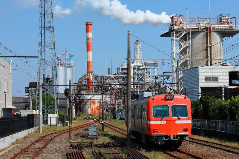 富士山と茶畑と製紙工場一望!静岡県富士市を走る岳南電車撮影地