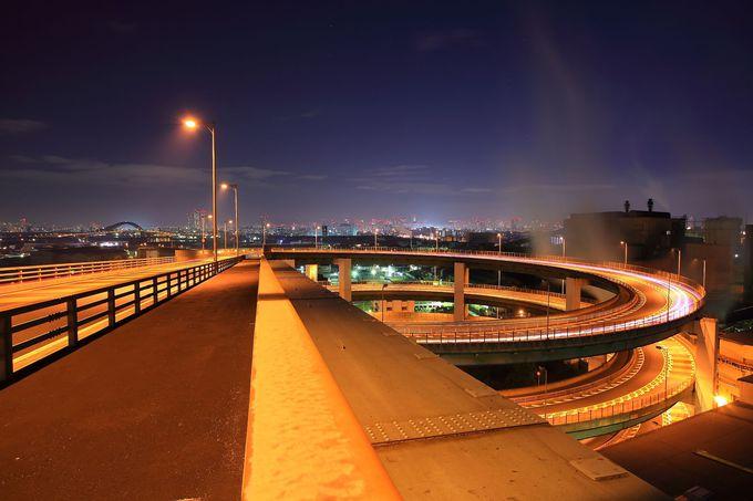 揚程差50m地点から車で夜景の中にダイブするかのような「新木津川大橋」