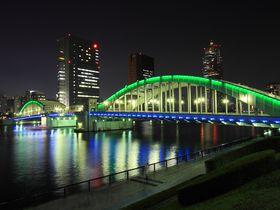 ライトアップされた橋が美しい!夜の隅田川沿い散策
