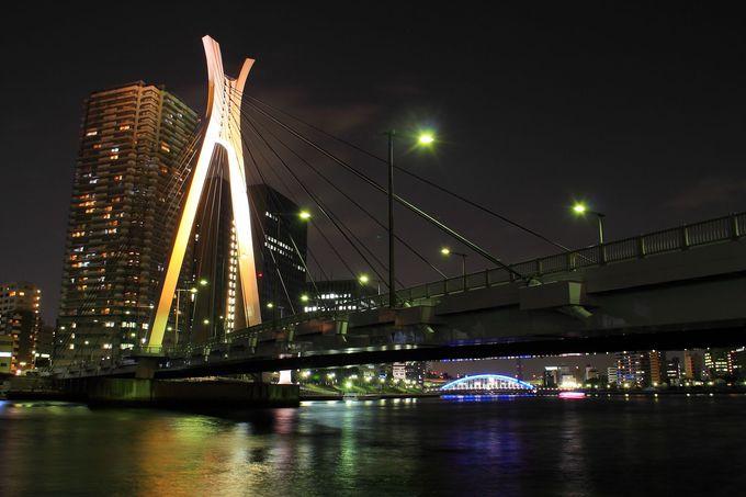 他のライトアップ橋とはひと味も異なる美しさ!「中央大橋」