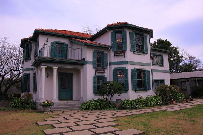 園内東部に位置する「ブラフ18番館」