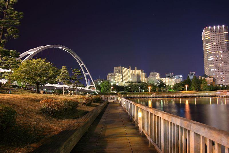 眺めの良い屋上庭園は穴場!東京「東品川海上公園」の夜景 ...