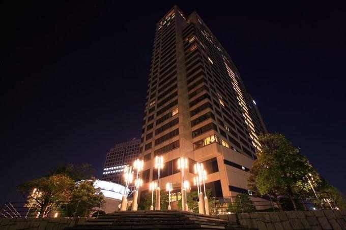 「第一ホテル東京シーフォート」を見上げる