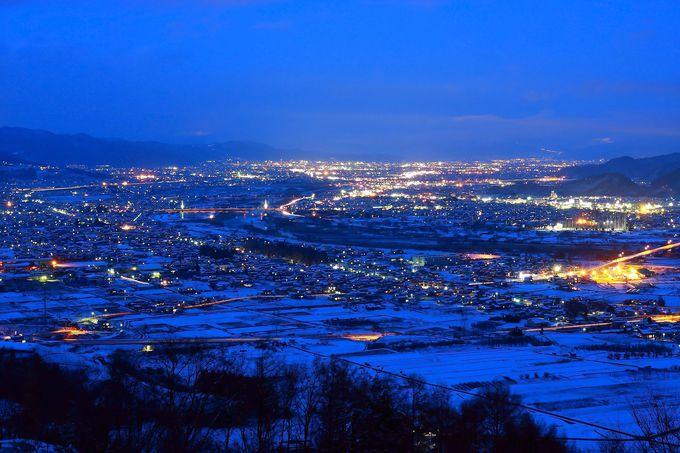 「姨捨公園」最上部から眺める善光寺平の夜景に感動!