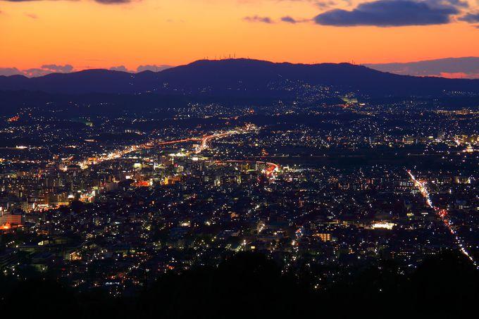 日没後は奈良県最大の夜景スポットと言える眺めに感動!