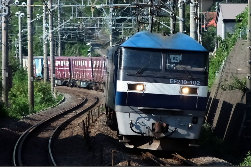 カーブを行く列車を綺麗に撮ることができる2箇所の踏切