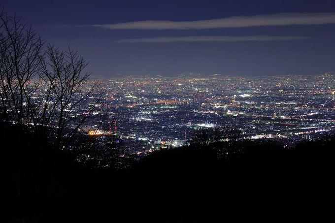 奈良方面からのアクセスがオススメ!「十三峠展望広場」