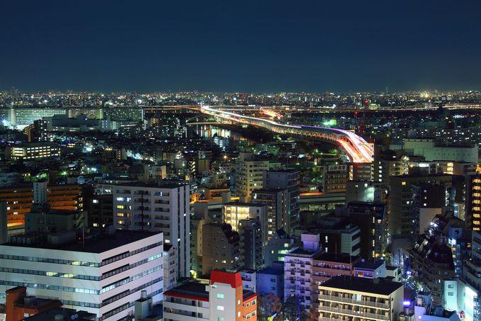 荒川や首都高速中央環状線を一望できる東側