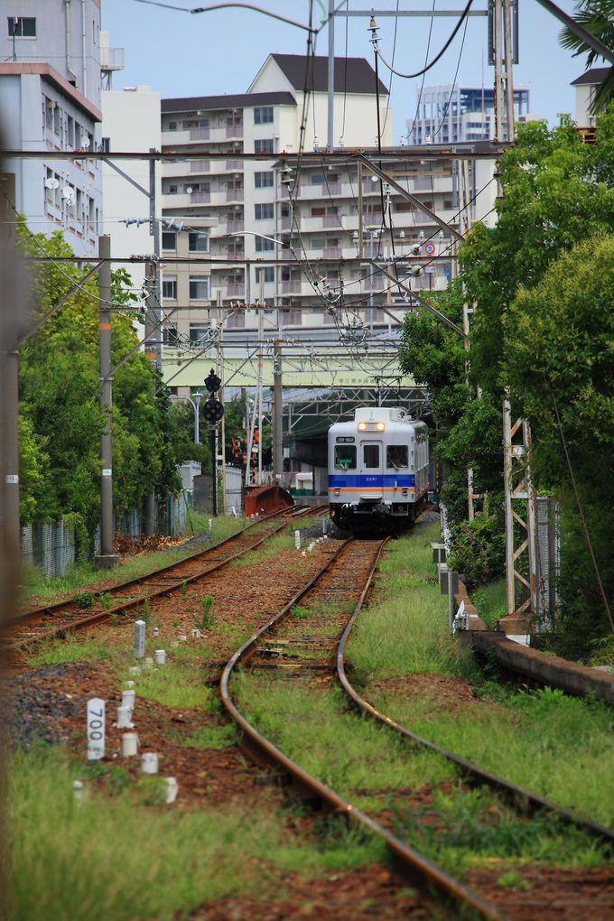 「汐見橋駅」から乗車5分!寂れた「木津川駅」